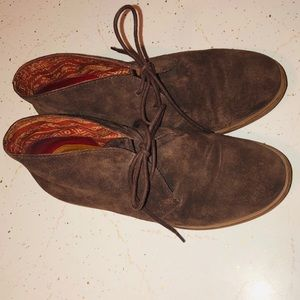 LUCKY BRAND SUEDE BOOTIES 7.5